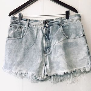 • vintage crop denim shorts •